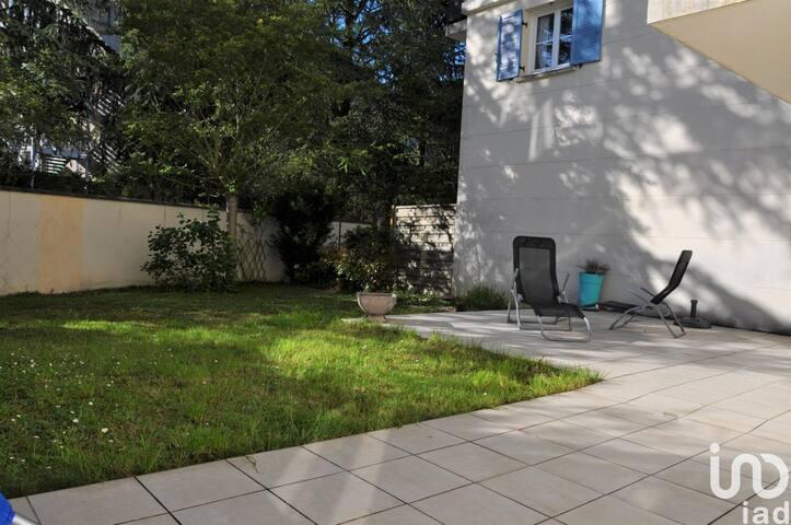 Bel appartement avec jardin dans quartier calme