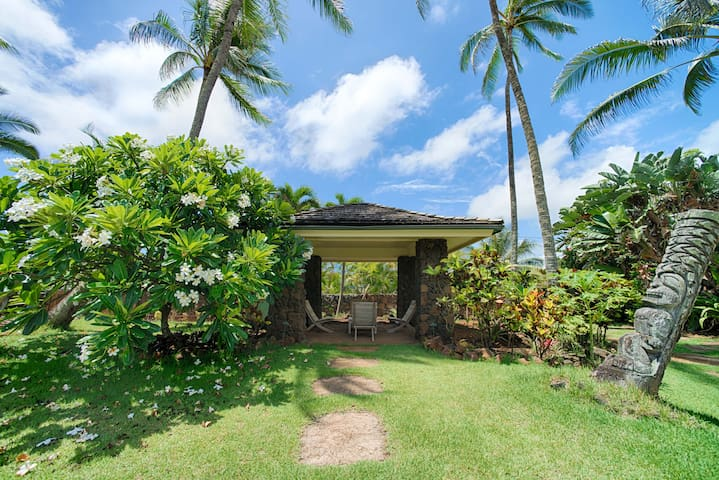 Beachfront home with 3 bedrooms on Kauas white sandy beach! - Anahola Beach House