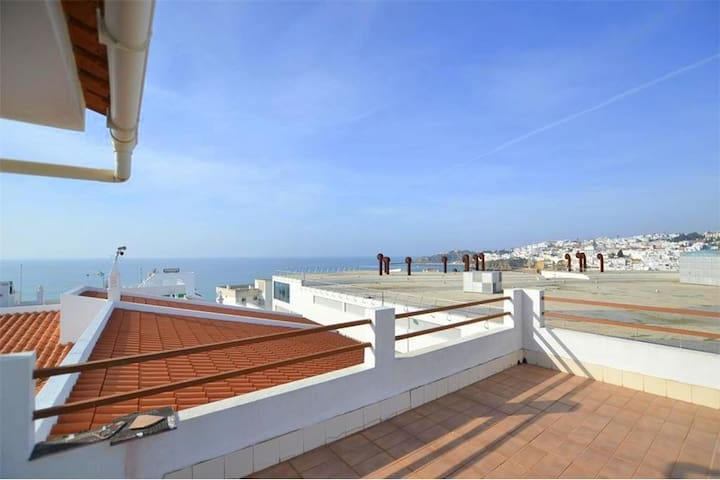 Beach Studio with awesome Terrace - Albufeira - Apartamento