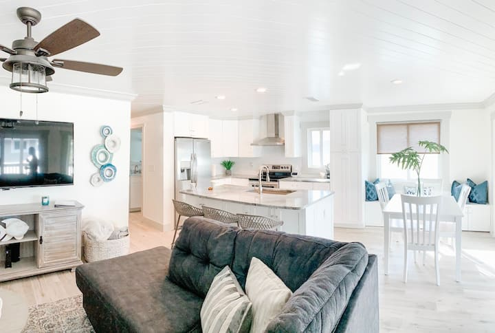 Newly Remodeled Beach Front Condo