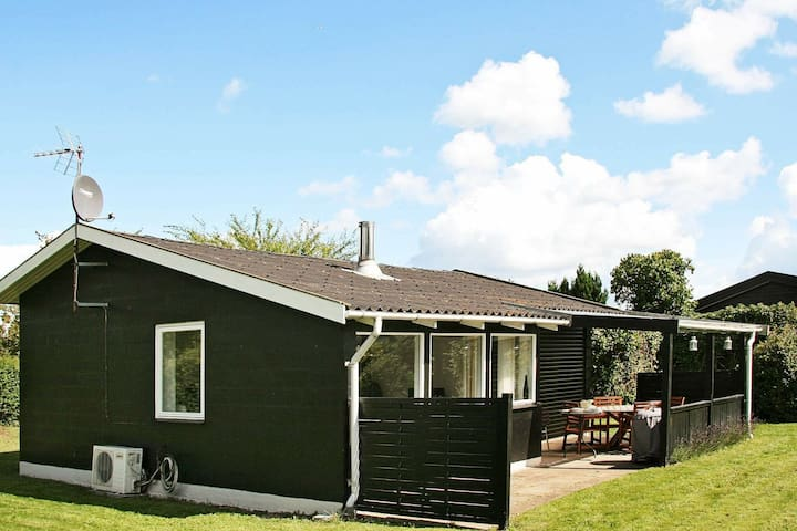 Restful Holiday Home in Strøby near Sea