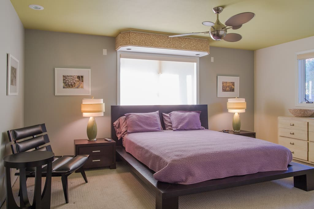 Guest master suite, King bed.