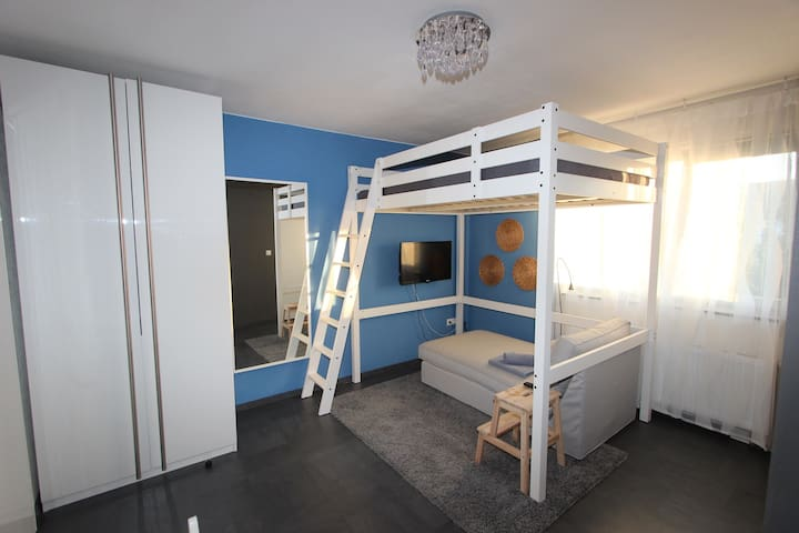 Cozy loft bed Apartment with wifi - Karlsruhe - Lejlighed