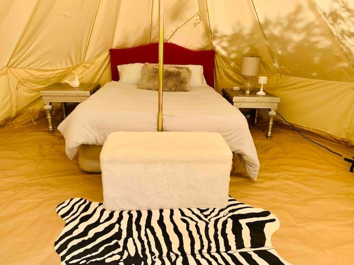 The Hideaway (Adult Glamping), near Nashville