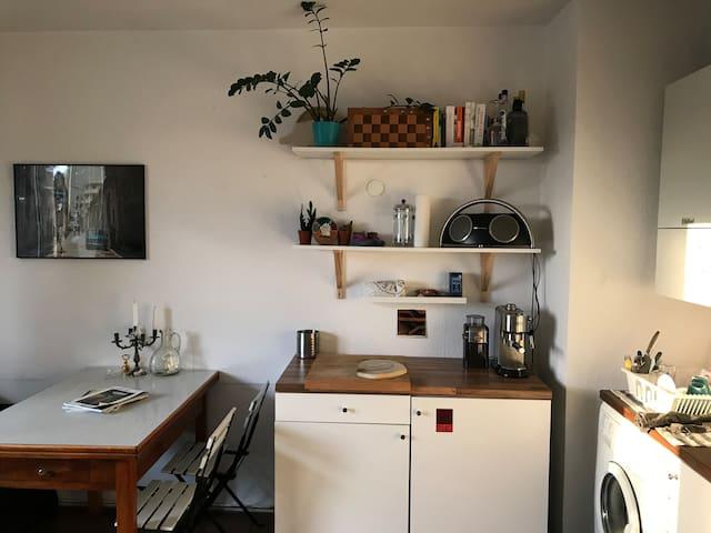 Schönes, perfekt gelegenes Apartment mit Balkon