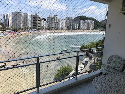 Apto Guarujá praia das Astúrias em frente a praia