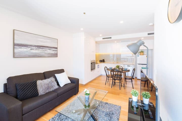 Stunning 1Bed Apt @ Heart of SouthBank-Brand New