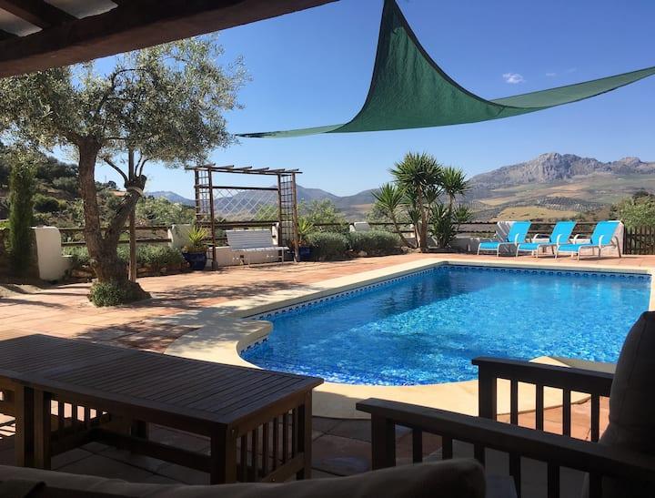 Beautiful Restored Farmhouse, Private Pool, Malaga