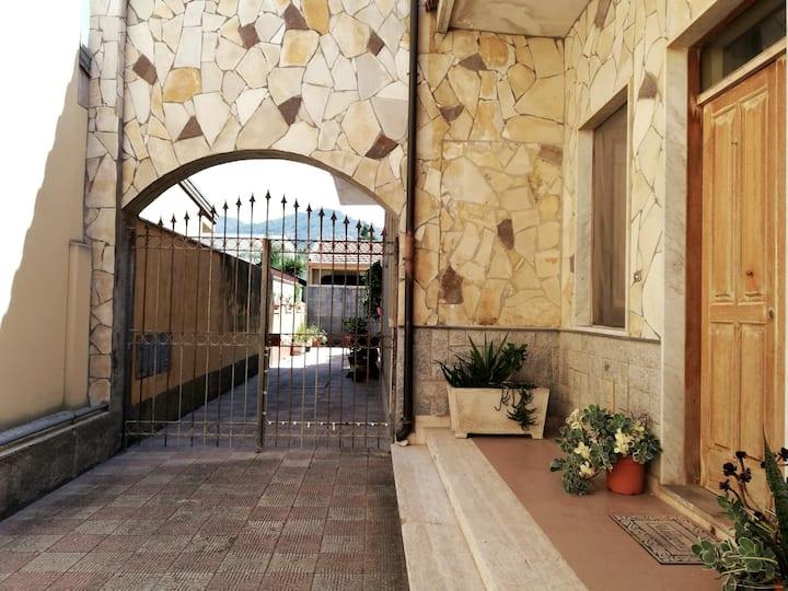 Casa con Giardinetto a pochi passi dal mare