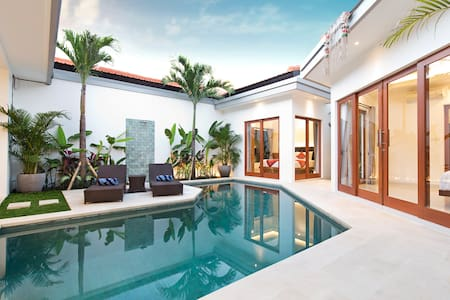 Villa Mia Dua in the Heart of Oberoi, Seminyak