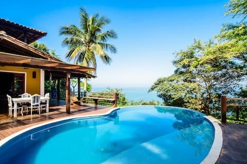 带游泳池的房子,可欣赏伊利亚贝拉美丽的海景