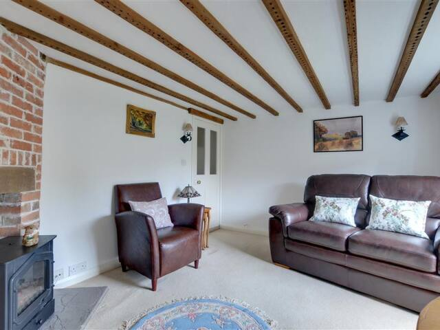 Charming holiday cottage with beautiful garden to relax
