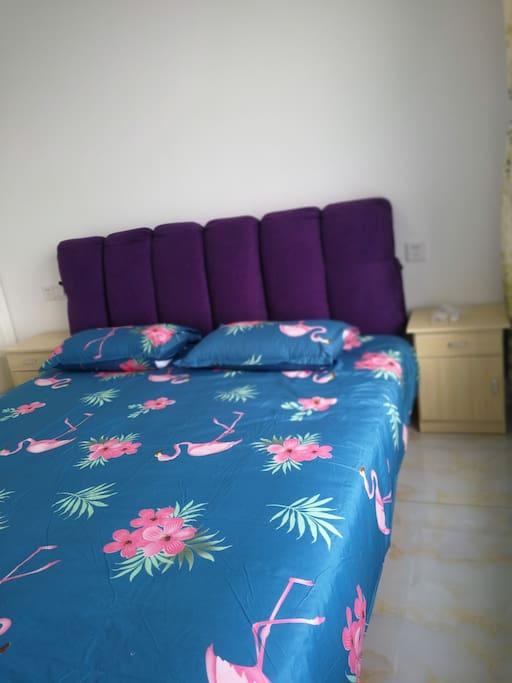 主卧室1.8*2米