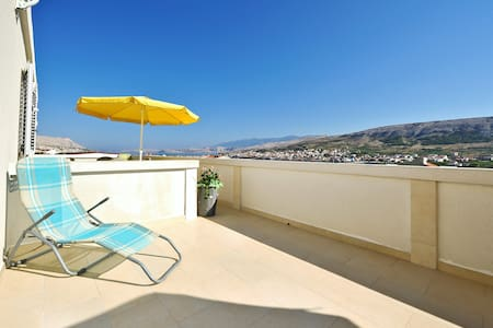Bi Pi Apartment 3, island Pag,