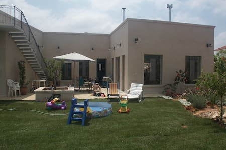 big and special privet home  - Gedera