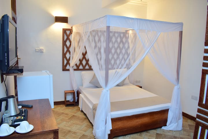 Cheap with accommodation in Stone Town