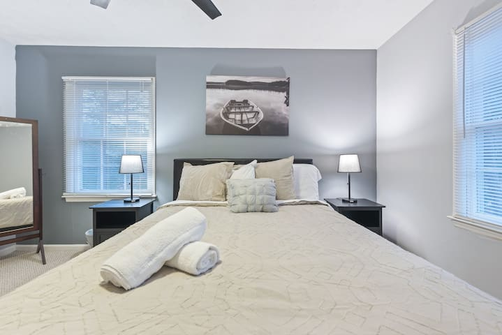 Guest Bedroom on upper level with Queen Bed