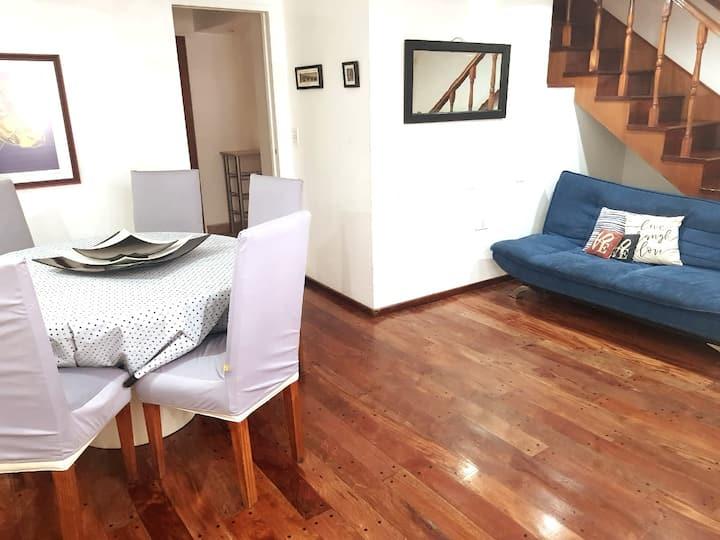 Deluxe Apartamento tipo casa con dos baños