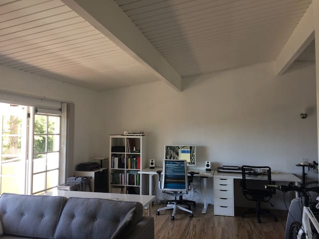 Montecito Apt - Coast Village Rd + Butterfly Beach - Montecito - Apartment