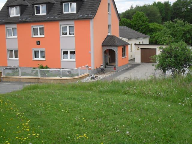 Ferienwohnung BACH47 Premium - Konradsreuth - Apartment