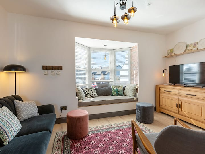 (Macs Townhouse) Newly Refurbed Apt With Bay View