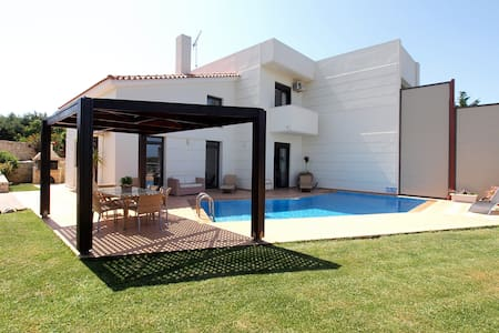 Rotunda villas-luxury villa B - Chania
