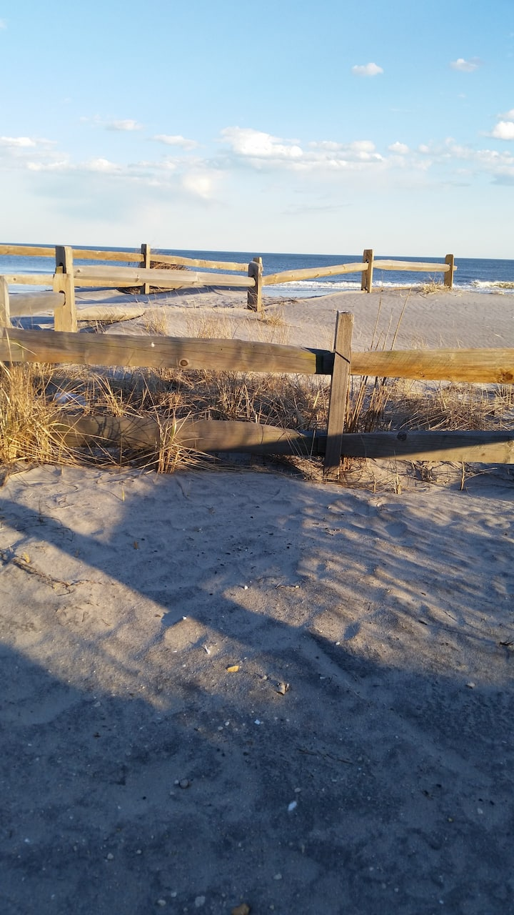 Beach Condo 100 steps from the ocean.