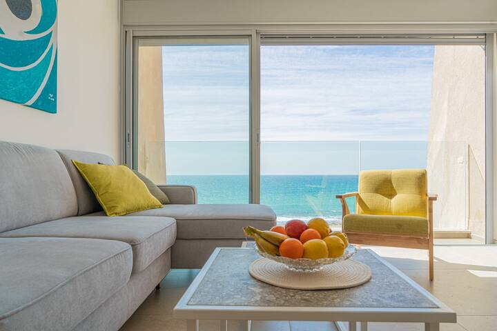 Stunning Beachfront Apartment With Epic Sea Views