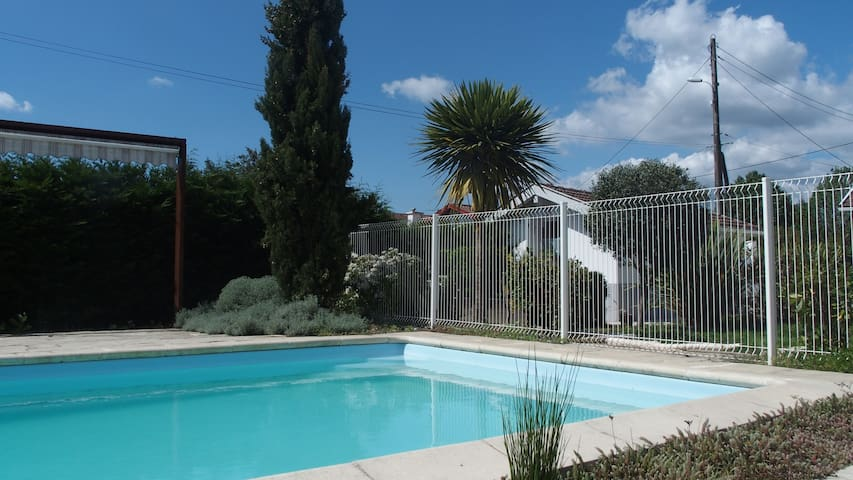 Studio 2pers. 20m2 - piscine - Saint-Paul-lès-Dax - House