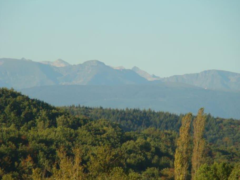 Face aux Pyrénées ...