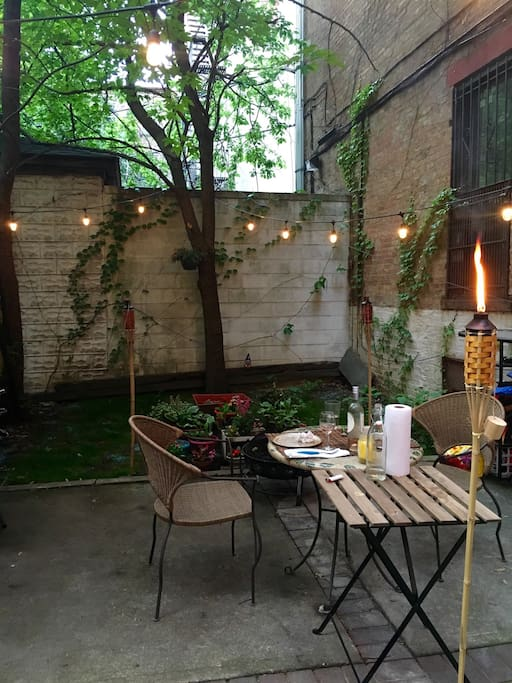 Backyard perfect for drinks or dinner