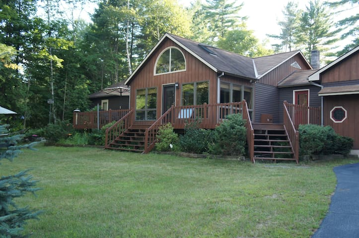Stay at the Schroon Lake Lodge - Schroon Lake