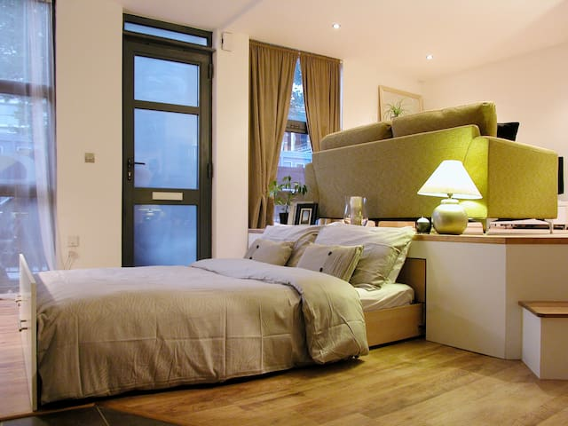Canary Wharf Immaculate Apt for 2