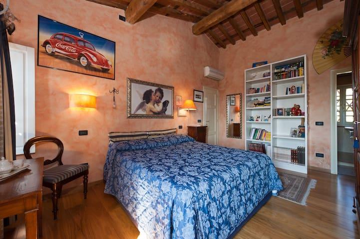 Elisa, heating, AC, Wifi and shower - Capannori - Villa