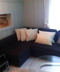 Lovely 2 BR Cottage, Private Beach! - North Kingstown