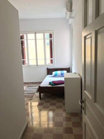 A Very Private Room in a Very Trendy Apartment - Beirut - Talo