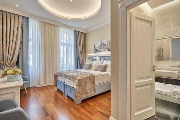 Golden Key Hotel - VENICE - Superior room