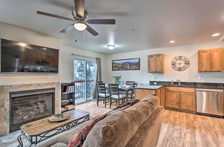 Modern Townhome w/Deck: Steps to Ouray Hot Springs