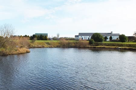 lake view cottage 2