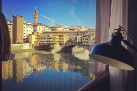 Ponte Vecchio Luxury View Suite - Florence