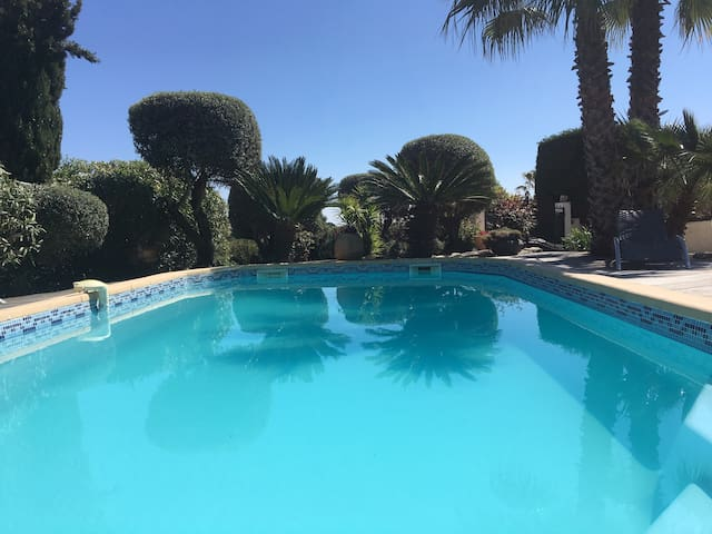 Grande belle villa 210m2 vue mer piscine chauffée