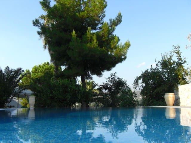 Villa Orestes @ Exostis Nafplio 6-8 - Exostis - Villa