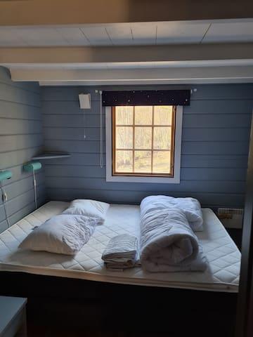 Bedroom 1 - 150 cm bed