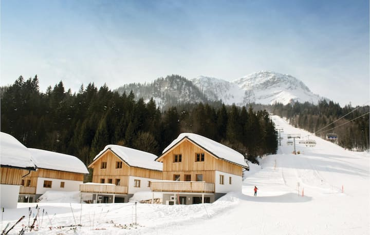Awesome home in Altaussee with Sauna, WiFi and 3 Bedrooms