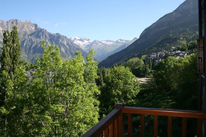 Apartamento con encanto  en Pirineo - Cerler - Byt