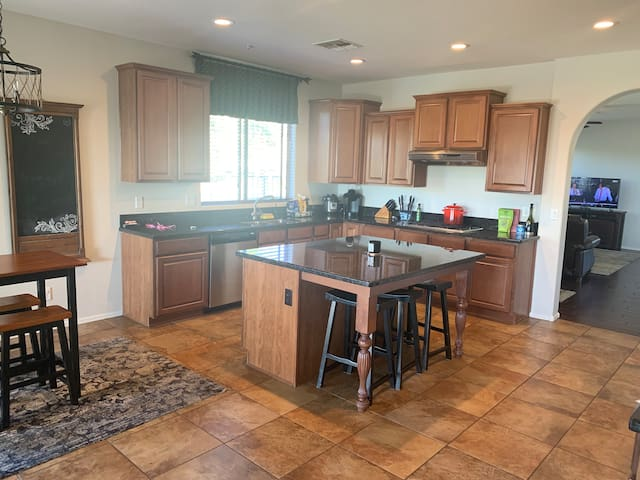 Great location-North Scottsdale House Furnished