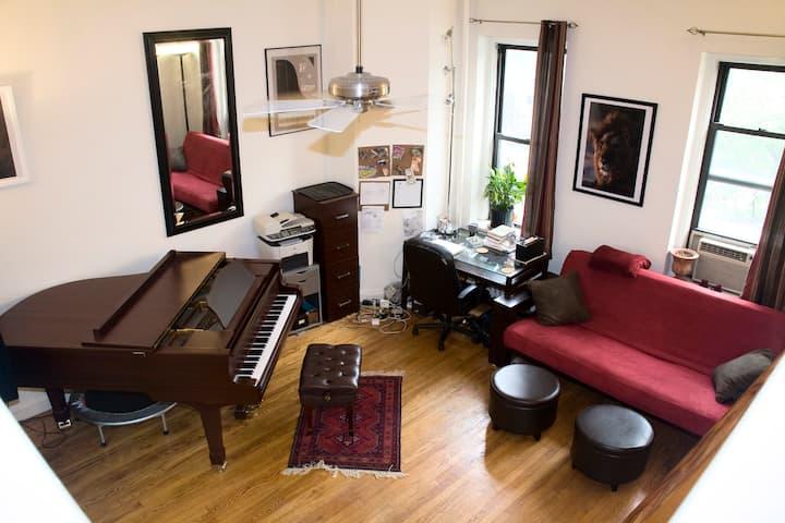 Great studio apt near Central Park