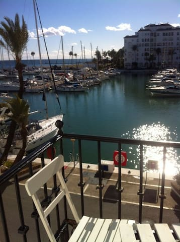 Beautiful studio great harbor views - Manilva - Apartment