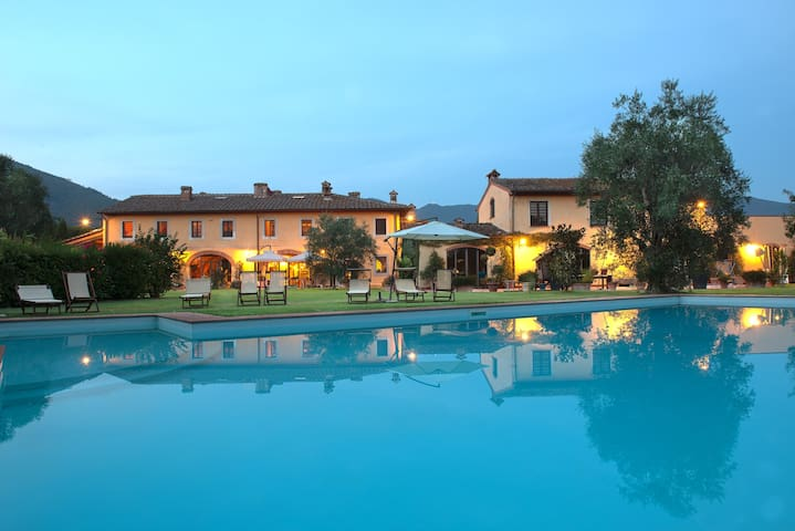 Suite in a peaceful country villa. - Campo - Villa