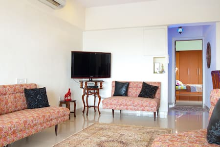 Spacious apartment in  South Mumbai - Bombay